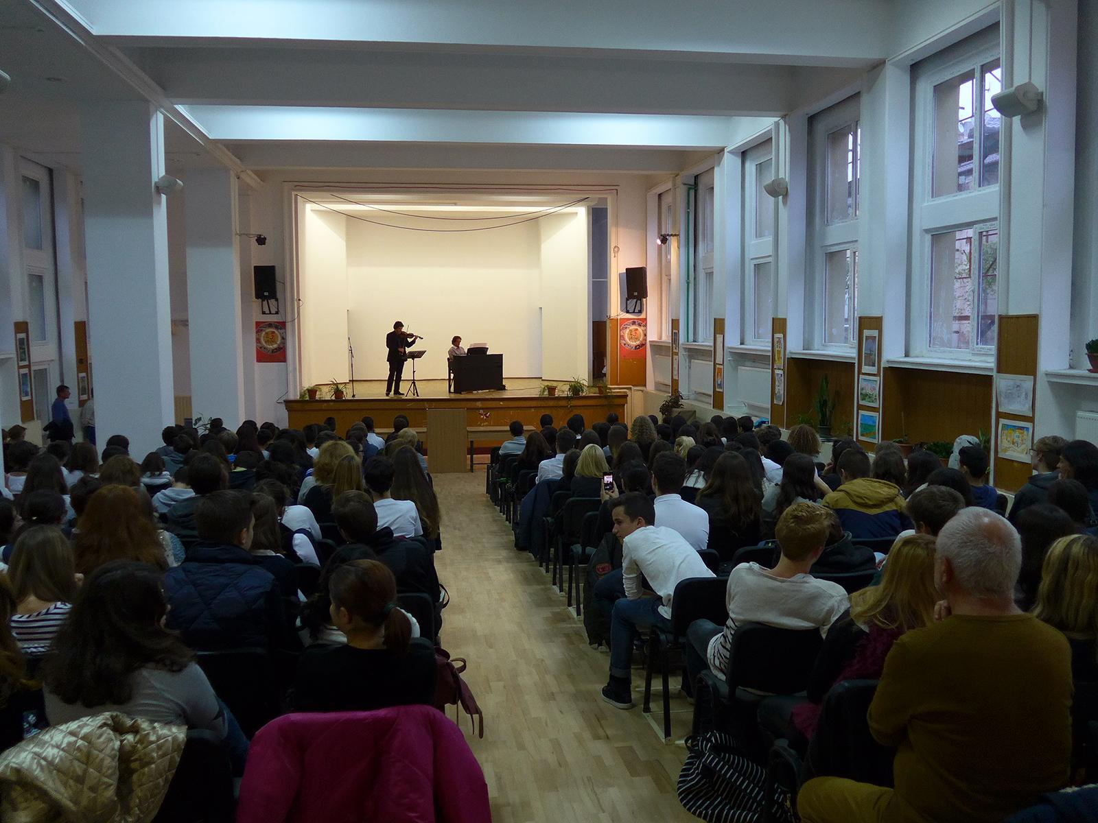 """Concert MasterClass la Liceul Bilingv """"Miguel de Cervantes"""""""